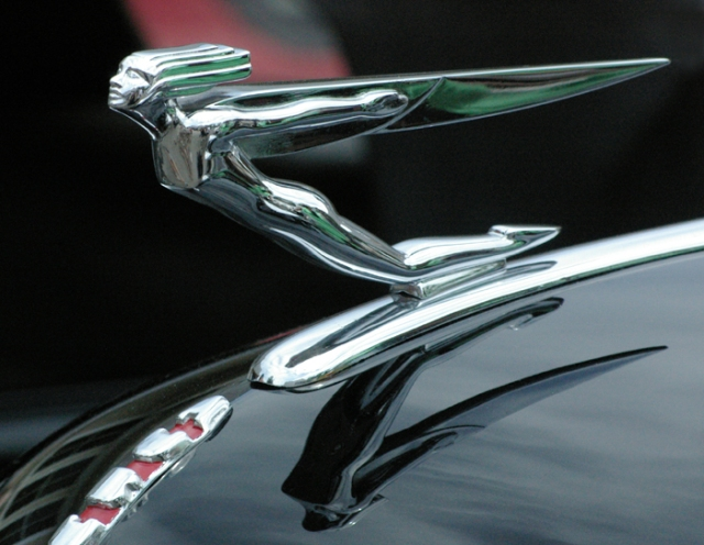 1932 Auburn Phaetom Sedan ornament