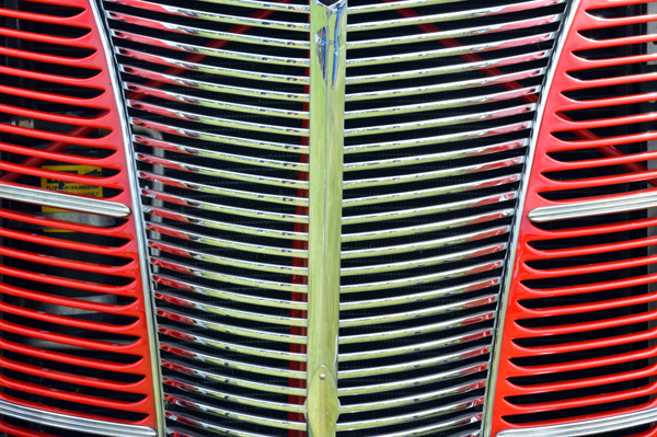 Ford Deluxe Grill